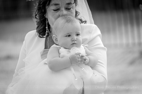 photo de la grand mère avec sa petite fille