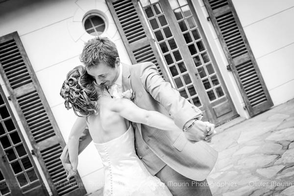 reportages mariages photo de couple de mariage en noir et blanc