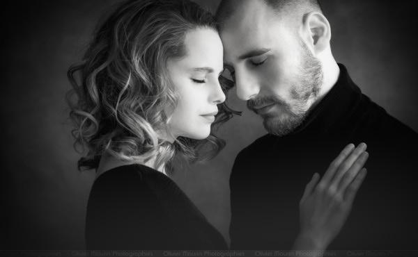 Séance photo couple en noir et blanc