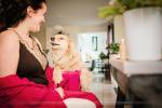 Préparatifs mariage la mariée avec son chien